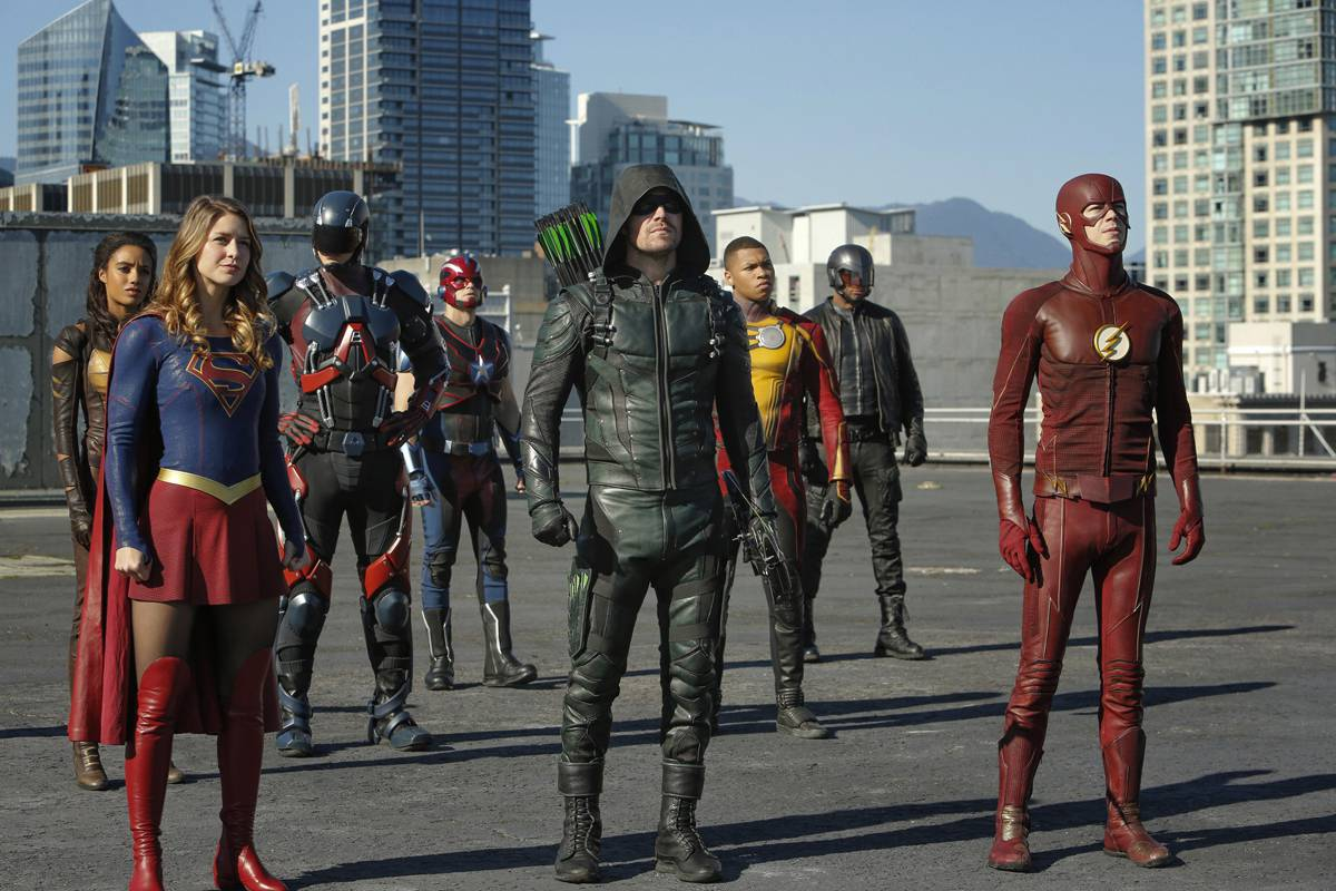 O super crossover da DC no canal Warner
