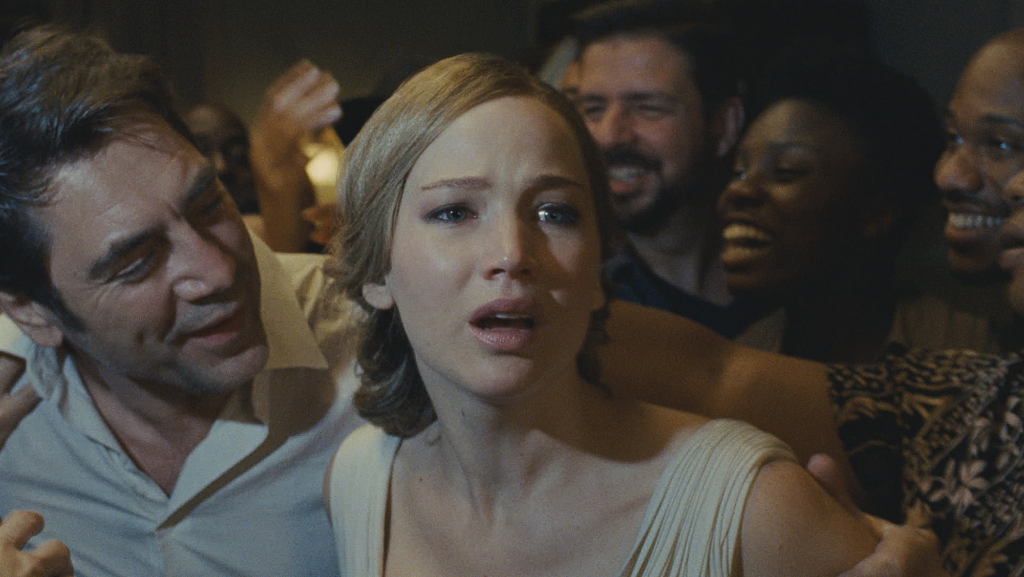 Jennifer Lawrence fala sobre a intensidade do filme Mãe!